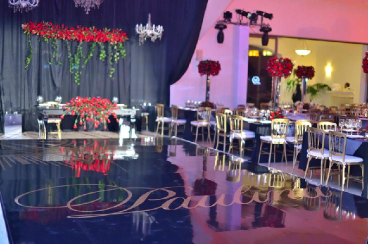 quinta-nena-xv-años-decoracion-black-red-hado-eventos-01